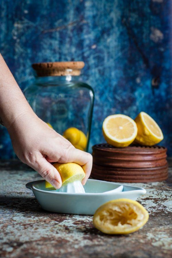 lemon drinking water for detox citron et eau pour la detox